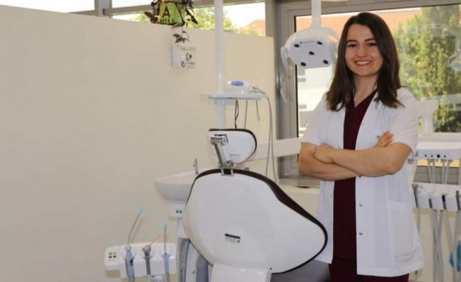 Yalova ADSM'ye 2 yeni diş hekimi
