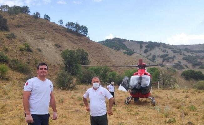 Dağda rahatsızlanan çobanın imdadına ambulans helikopter yetişti