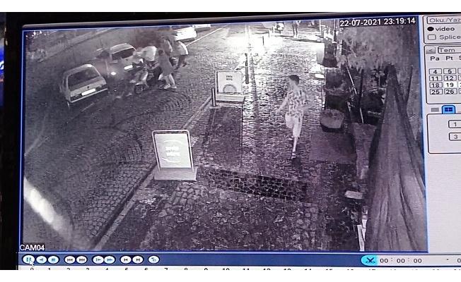 Kavgayı ayırmaya çalışan kişi silahla vuruldu