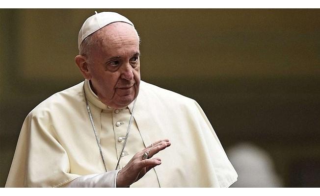 "Vatikan: ""Papa, birkaç gün daha hastanede kalacak."""