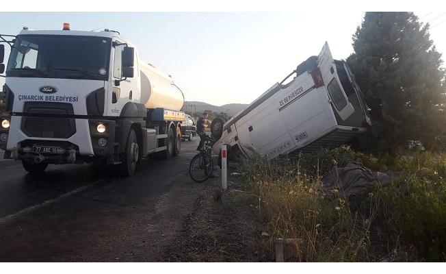 Yalova'da taklalı trafik kazası: 2 yaralı
