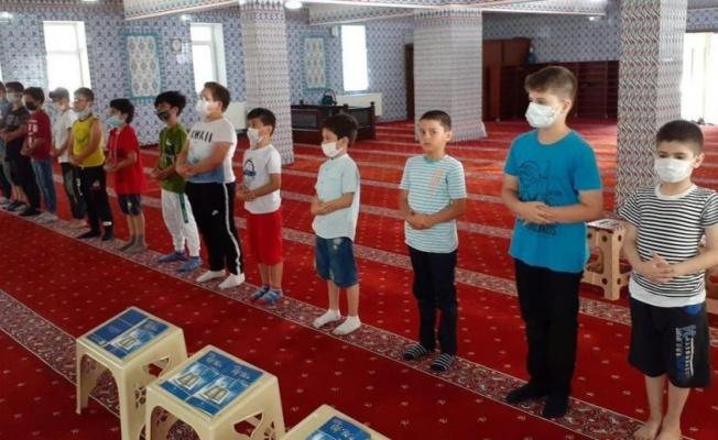 Yalova'da camiler çocuklarla doldu taştı