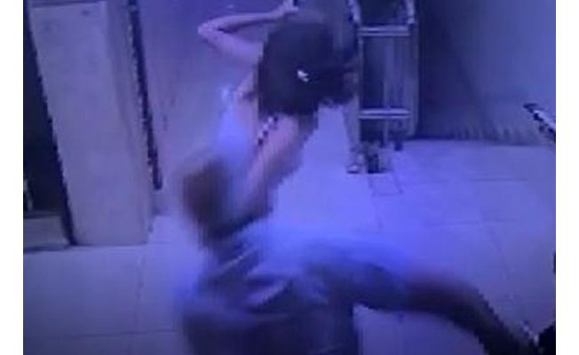 13 yaşındaki kızı kemerle dövme sebebi şok etti!