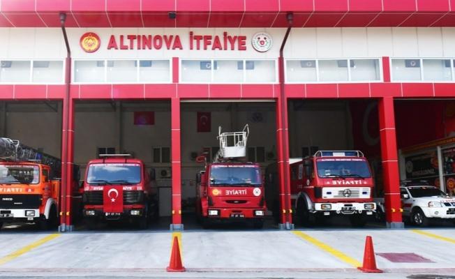 Altınova itfaiyesi filosunu büyütmeye devam ediyor