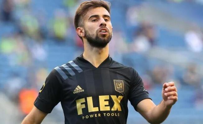 Fenerbahçe Diego Rossi'yi duyurdu