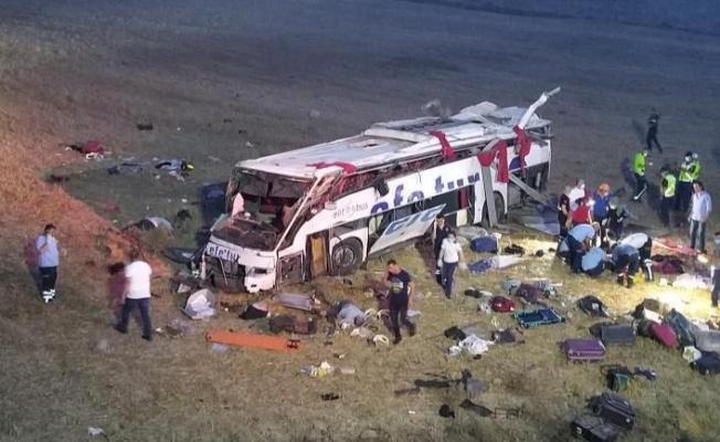 Korkunç kaza: 14 ölü, 18 yaralı