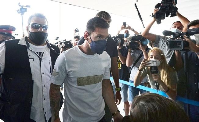 Lionel Messi, Paris'e geldi!
