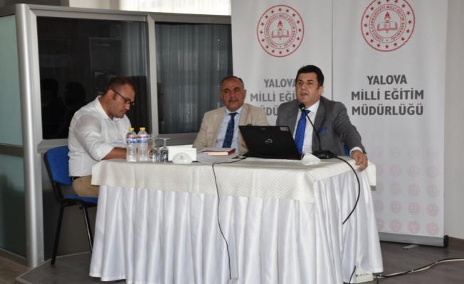 Okulların açılması yaklaşırken orta okul eğitim kurum müdürleri toplantısı yapıldı