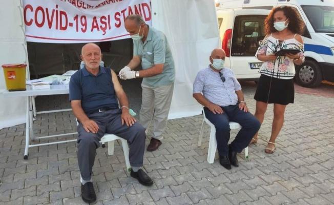 Yalova'da festivale katılanlara aşı vuruldu