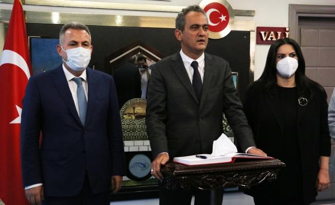 Türkiye'de 200 sınıf eğitime ara verdi
