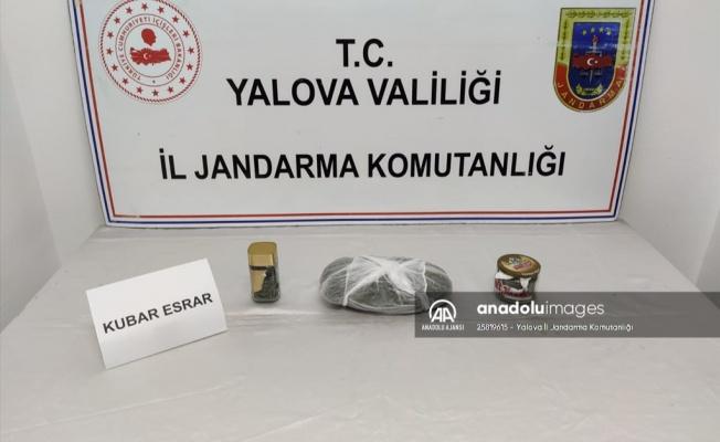 Altınova'da bir otomobilde uyuşturucu ele geçirildi
