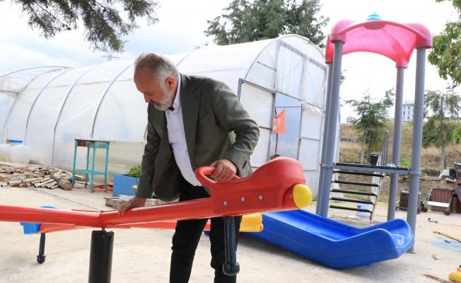 Çiftlikköy'de atıklar çocuklar için oyun parkı oluyor
