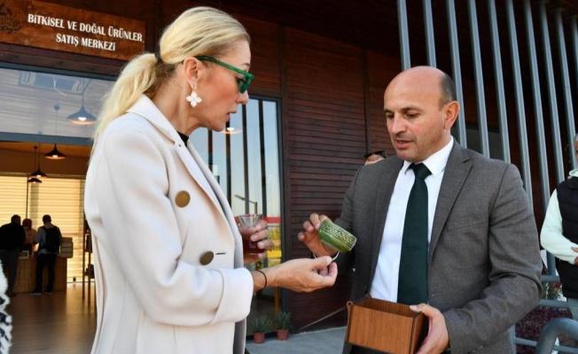 Pervin Ersoy Altınova'yı ziyaret etti