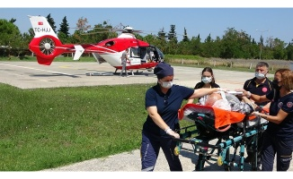 Beyin kanaması geçiren adam ambulans helikopterle hastaneye yetiştirildi