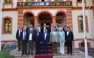 Vefa Salman, 'Belediye Başkanı' olarak toplantıya katıldı